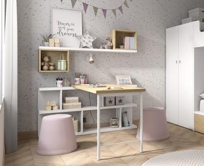 Schreibtisch mit Regalen