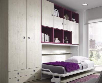 Jugendzimmer bestehend aus Klappbett, Kleiderschrank und Regalen