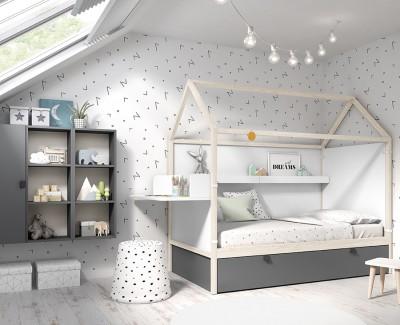 Schlafzimmer mit Ausziehbett, Klappregalen, Schreibtisch und Schrank