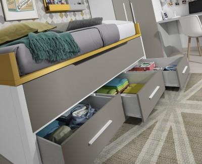 Jugendzimmer bestehend aus Bettgestell, Eckschrank, Schreibtisch und Regalen